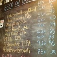 รูปภาพถ่ายที่ Lost Rhino Brewing Company โดย Kevin d. เมื่อ 5/26/2012