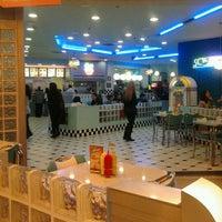Foto tirada no(a) Yesterday American Diner por Taxi de Madrid em 12/31/2011