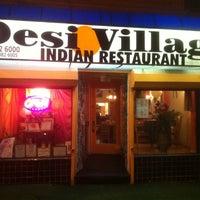 Das Foto wurde bei Desi Village Indian Restaurant von Tim D. am 2/18/2011 aufgenommen