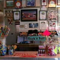 Foto tirada no(a) Rosie's Diner por Jacquelyn W. em 10/1/2011