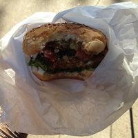 Photo prise au D.C. Vegetarian par Sarah A. le10/18/2011