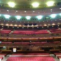 Photo prise au Temple Hoyne Buell Theater par Hana L. le7/6/2012