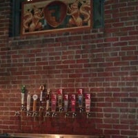 Снимок сделан в Fullsteam Brewery пользователем Glenn G. 6/23/2011