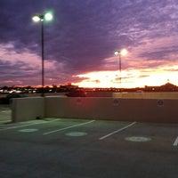 รูปภาพถ่ายที่ Premier, Inc. โดย Brenda J. เมื่อ 11/22/2011