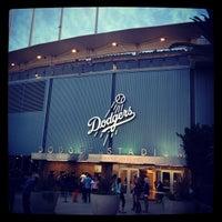 Das Foto wurde bei Dodger Stadium Parking von Happy B. am 8/4/2012 aufgenommen