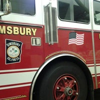 Foto scattata a Weatogue Fire House da Harley H. il 1/3/2012