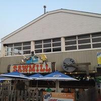รูปภาพถ่ายที่ The Sawmill โดย BLISS เมื่อ 6/29/2012