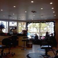 Photo prise au capelli salon par Erin p. le12/20/2011