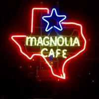 Foto tomada en Magnolia Cafe por David V. el 9/19/2011