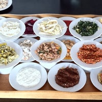 12/4/2011 tarihinde Hande S.ziyaretçi tarafından Hanımeli Balık Restaurant'de çekilen fotoğraf