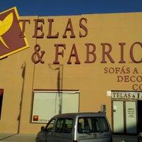 Foto tomada en Telas & Fabrics por Jaime M. el 10/11/2011