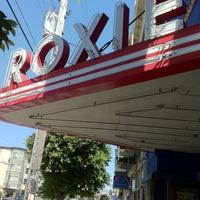Снимок сделан в Roxie Cinema пользователем Jessica S. 6/15/2012