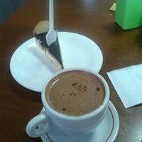 Foto tirada no(a) Pausa Caffè por Handrus N. em 6/21/2012