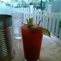 รูปภาพถ่ายที่ Cornerstone - Artisanal Pizza & Craft Beer โดย Alicyn C. เมื่อ 9/4/2012