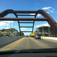 Снимок сделан в 360 Bridge (Pennybacker Bridge) пользователем Winnie G. 8/18/2012