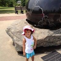 Foto tomada en Tulsa Zoo por Crystal W. el 5/6/2012