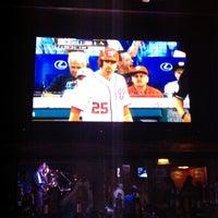 รูปภาพถ่ายที่ KJ Farrell's Bar & Grill โดย Scott S. เมื่อ 6/16/2012