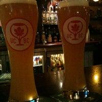 Foto tirada no(a) Tigin Irish Pub por Dan P. em 9/9/2012