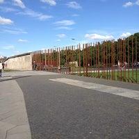 Снимок сделан в Мемориальный комплекс «Берлинская стена» пользователем Flavio C. 7/22/2012