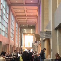 Foto scattata a Benaroya Hall da Diana H. il 5/4/2012