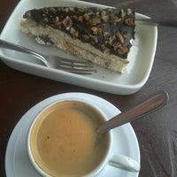 Foto tomada en Cafe Bressan por 💖Caroline M. el 6/10/2012