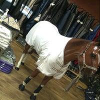Снимок сделан в Greenhawk Harness & Equestrian Supplies пользователем Ashleigh M. 4/28/2012