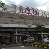 Foto diambil di AEON Permas Jaya Shopping Centre oleh Michael L. pada 7/29/2012