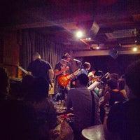Foto scattata a Wala Wala Cafe Bar da Serene L. il 8/25/2012
