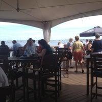 Foto scattata a Aqua Bar da Ricky S. il 8/7/2012