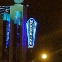 7/7/2012에 Alicia H.님이 Moonrise Hotel에서 찍은 사진