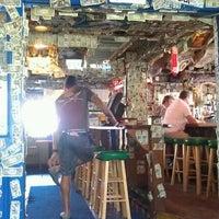 Foto tomada en Siesta Key Oyster Bar por Rob T. el 3/30/2012