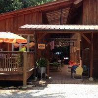 Das Foto wurde bei Artisan Foods Bakery & Café von Eren B. am 6/7/2012 aufgenommen