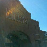 6/17/2012 tarihinde oma t.ziyaretçi tarafından Binny's Beverage Depot'de çekilen fotoğraf