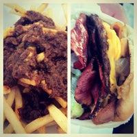 Das Foto wurde bei Willie's Burgers von Jason Christopher S. am 9/8/2012 aufgenommen