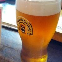 Foto tirada no(a) Tigin Irish Pub por Graham G. em 7/29/2012