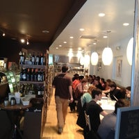 Foto scattata a Southport Grocery & Cafe da Ryan A. il 3/4/2012