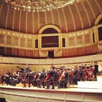 Foto tomada en Symphony Center (Chicago Symphony Orchestra) por Will H. el 3/30/2012
