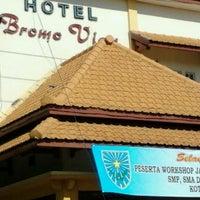 Foto scattata a Bromo View Hotel & Restaurant da zainul m. il 11/23/2011