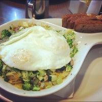 Снимок сделан в Rick's Cafe пользователем Jen L. 7/28/2012