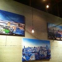 Foto scattata a Basic Urban Kitchen & Bar da Mark Gregory V. il 3/16/2012