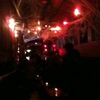 รูปภาพถ่ายที่ The SKINnY Bar & Lounge โดย Jeff P. เมื่อ 11/1/2011