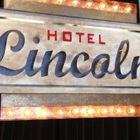 รูปภาพถ่ายที่ Hotel Lincoln โดย Chuck P. เมื่อ 6/25/2012