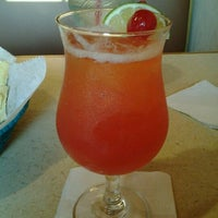 Foto tomada en La Parrilla Mexican Restaurant por Jeremy C. el 3/17/2012