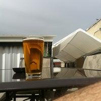 Photo prise au Poplar Street Pub par Matthew V. le3/30/2012