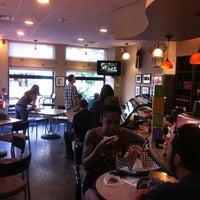 รูปภาพถ่ายที่ LOMA Coffee โดย Bradford W. เมื่อ 8/5/2011