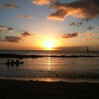 11/23/2011 tarihinde Emily W.ziyaretçi tarafından Paradise Cove Luau'de çekilen fotoğraf