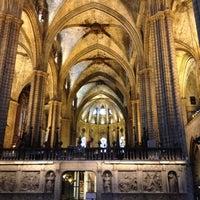 Foto tomada en Catedral de la Santa Cruz y Santa Eulalia por Vanessa el 7/2/2012