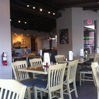 Photo prise au Kay Bob's Grill & Ale par Joe B. le11/19/2011