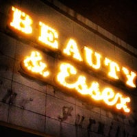 Das Foto wurde bei Beauty & Essex von Johnny S. am 4/17/2012 aufgenommen