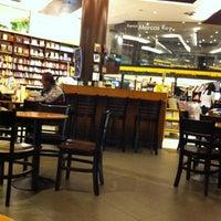 7/18/2012 tarihinde Maryyziyaretçi tarafından Saraiva MegaStore'de çekilen fotoğraf